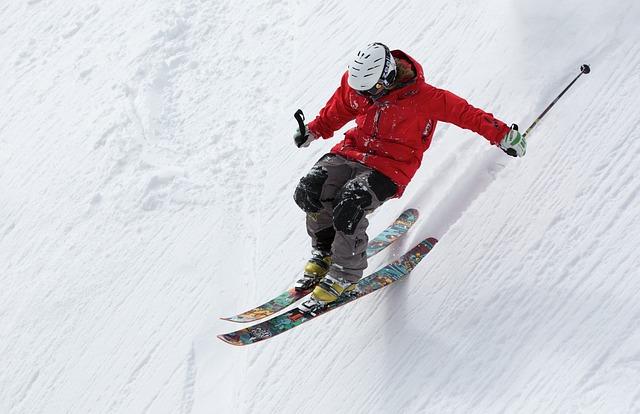 sjezd lyžaře.jpg