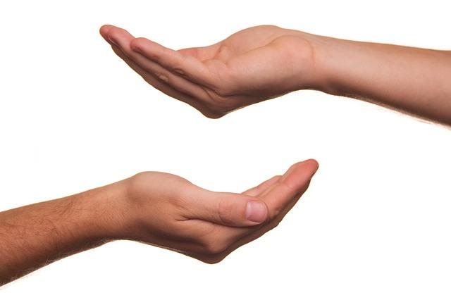 pomoc druhému člověku, nabídka pomoci.jpg